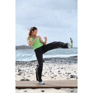 Fit for Fun – AeroKick Cardio-Workout mit Kicks & Punches
